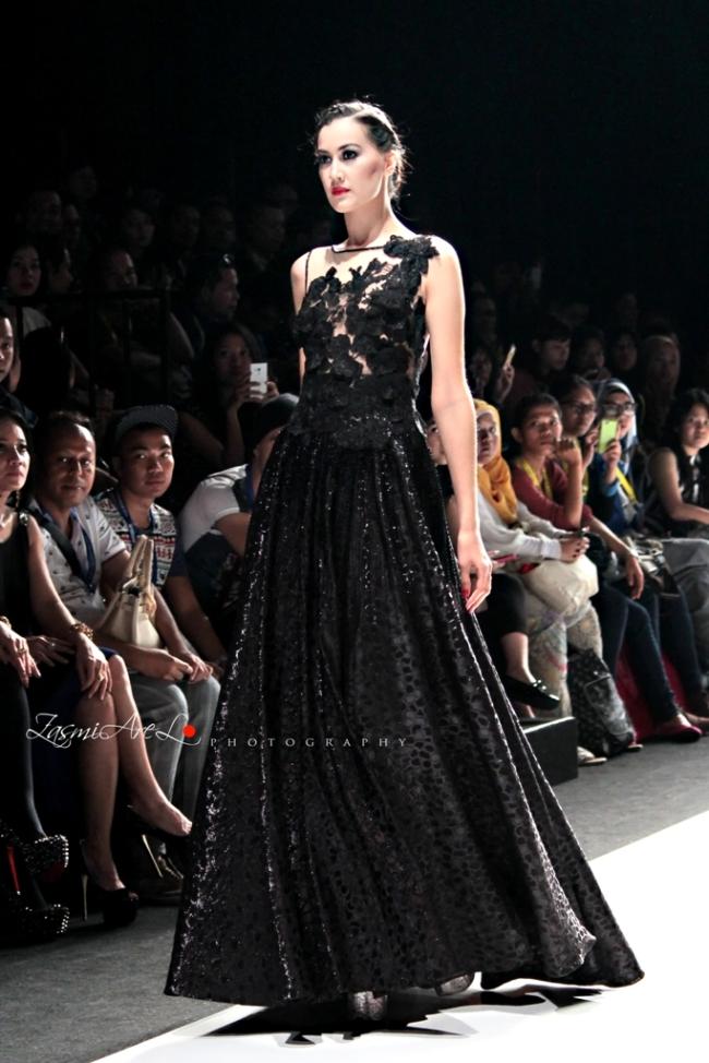 Zasmi Arel_Jakarta Fashion Week_003