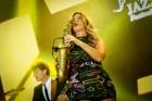 Candy Dulfer Berinteraksi dengan Saxophone di Java Jazz Festival2016