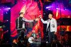 Love Festival 2019: Momen Giring Serahkan Mic pada Vokalis BaruNidji
